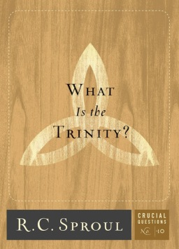 EU LI | What is the Trinity? – R.C.Sproul (Crucial Questions nº 10)